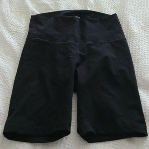 Everlane perform bike shorts black medium